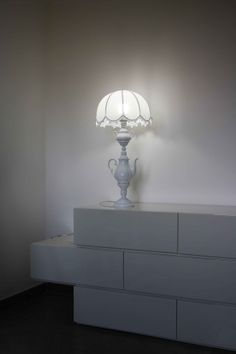 """Lamp made with recicled materials from the series """"five o'clock"""""""