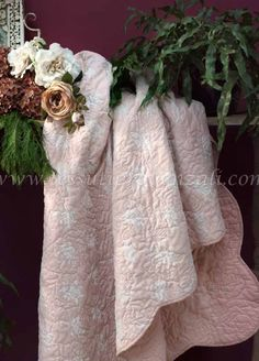 """Boutis matrimoniale completo di due copriguanciali serie """"Blooming lace"""" Blanc Mariclò"""