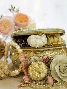 vintage jewelry box pride and prejudice - Google Search