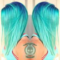 I always love darker roots like this. Of course never just grown out ones eww Hair Color 2016, Neon Hair Color, Bright Hair Colors, Turquoise Hair, Pastel Hair, Teal Ombre Hair, Mint Hair, Crazy Hair, Fashion Hair Color