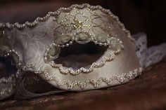 Masquerade masks posted in Diy: Ever made one? Am attempting one for my birthday, but feel like I'm going to need a few tips/ ideas! Mardi Gras Carnival, Carnival Masks, Masquerade Ball Party, Masquerade Masks, Feasts Of The Lord, Diy Lotion, Masks Art, Glitz And Glam, Diy Mask