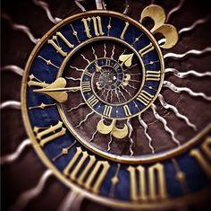 Steampunk clock face - a spiral, a sun, roman numerals. Steam Punk, Fibonacci Spiral, Somewhere In Time, Cool Clocks, Time Clock, Antique Clocks, Ticks, Time Travel, Blue Gold