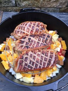 Entenbrüstchen in Orangensoße geDOpft Grill N Chill, Bbq Grill, Grill Dessert, Dutch Oven Recipes, Spare Ribs, Barbecue Recipes, Pulled Pork, Waffles, Food And Drink