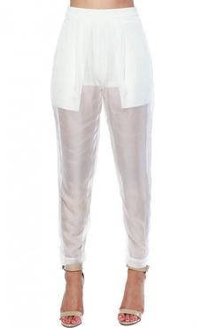 Your go-to pants when going for a chic look are our 'Organza not' bottoms! These pants are a great piece to show how fashion savvy you really are! Wear these pants with a bodysuit and a denim button d