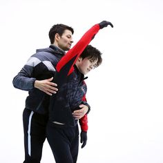 Shoma Uno with Stephane Lambiel at Team Japan training camp. Male Figure Skaters, Figure Skating, Stephane Lambiel, Adam Rippon, Shoma Uno, Trafford, Cultura Pop, Japan, Shit Happens