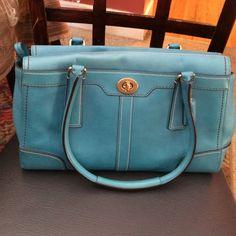 Coach Hampton Leather carryall  authentic . Good condition Coach Bags Shoulder Bags