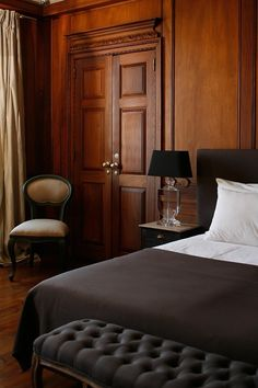 Bedroom - masculine - dark colors - neutrals