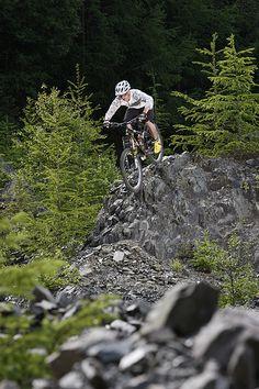 Scotland Velo Vert Mountain Bike Feature    http://www.fastbikeparts.ch/161-velowerkzeuge-bikes-velo-online-shop-schweiz