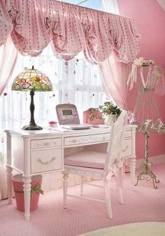 Bedroom? Pink and white desk/office area