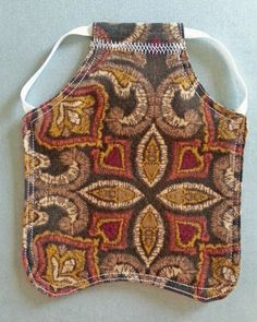 Simple sewing project - hen saddle or chicken apron or poultry armor. Protect you chickens from talons, spurs, pecking.