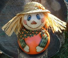 absolutely love this scarecrow gourd!!