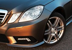 A few drops of olive oil on a lint-free cloth can work wonders for restoring your headlights' clarity. Cleaning Headlights On Car, How To Clean Headlights, Car Cleaning, Headlight Restoration Diy, Car Restoration, Olive Oil Uses, Foggy Headlights, How To Clean Clams, Headlight Lens