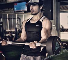 Ali Zafar's Weirdly Strange Gym Picture Has Us All Wondering, pakistani singer, famous pakistani singers, singers, ali zafar
