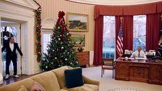 Il presidente Obama partecipa alla webserie del comico americano Jerry Seinfeld, risponde ad alcune domande piuttosto private e fa un giro (non autorizzato!) alla guida di una Corvette del '63.