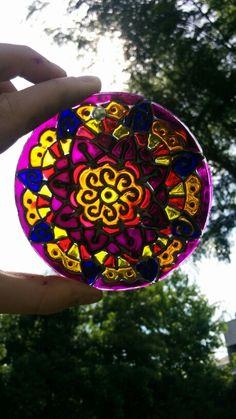 Mandalas hechos en vidrio A Través del Color