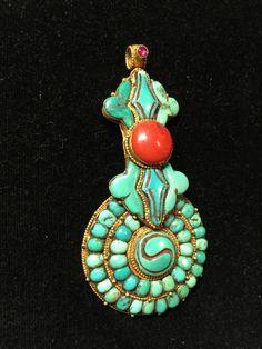 Tibetan vajra pendant, turquoise and coral inlaid Coral Turquoise, Turquoise Pendant, Turquoise Jewelry, Ancient Jewelry, Antique Jewelry, Tribal Jewelry, Beaded Jewelry, Lapis Lazuli, Little Buddha