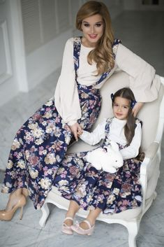 Family Look F/W — Yulia Prokhorova. Mom And Baby Outfits, Baby Girl Dresses, Baby Dress, Kids Outfits, Mother Daughter Matching Outfits, Mother Daughter Fashion, Mom Daughter, Mode Lolita, Frocks For Girls