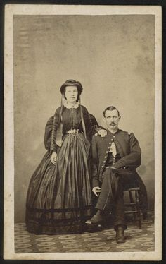 [Unidentified soldier in Union uniform and unidentified woman, probably his wife] / Mrs. R. Cooper & Son, Maysville, Ky.   Library of Congress