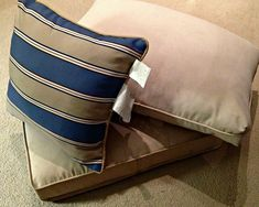 How to re-cover patio furniture cushions Patio Furniture Cushions, Patio Furniture Covers, Patio Cushions, Furniture Upholstery, Cushions On Sofa, Porch Furniture, Sofa Recovering, Outdoor Cushion Covers, Diy Couch