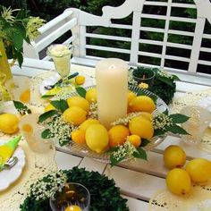 Mediterranean table decoration Source by Whiteandvintage Wedding Reception Table Decorations, Diy Crafts To Do, Candle Centerpieces, Deco Table, Woodworking Projects, Diys, Home Decor, Fruit Wedding, Farm Wedding
