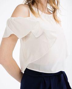 Resultado de imagen para camisa blanca volado mujer