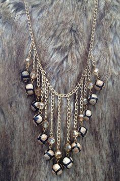 G. ARIADNA, collar hecho a mano con piedras naturales y cadena de chapa de oro, solo en Joyeria Santa Barbara
