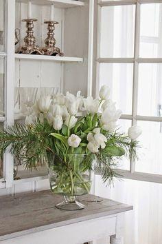 Dekoideen für den Frühling weiße tulpen