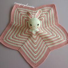 sevgiorgutasarim:: Melis'in tatlı mı tatlı uyku arkadaşı  #uykuarkadasi #tavsan #pembis #amigurumi #amigurumidoll #amigurumilove #crochet #crochetaddict #crocheting #crochetlove #handmade #tigisi #elemegi #sevgiileoruyoruz