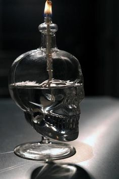 Skull oil lamp