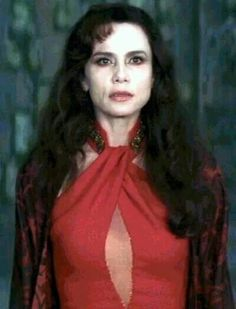 Lena Olin as the Ancient Vampire Maharet in Queen of the Damned Vampire Love, Vampire Queen, Lena Olin, San Sebastian Film Festival, Queen Of The Damned, Real Vampires, The Vampire Chronicles, Swedish Actresses, Creatures Of The Night