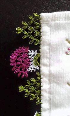 büyük çiçek iğne oyası havlu kenarı