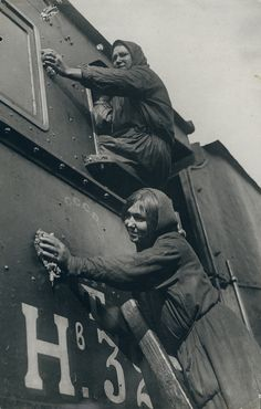 Photo Detail - Vintage Gelatin Silver Print by Max Penson - Women Polishing Locomotive Vintage Photographs, Vintage Photos, Half The Sky, Old Trains, Train Travel, Public Transport, Locomotive, Russia, Trains