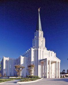 Wow, I would love a  Mormon Temple Houston Texas / http://www.dancamacho.com/mormon-temple-houston-texas/