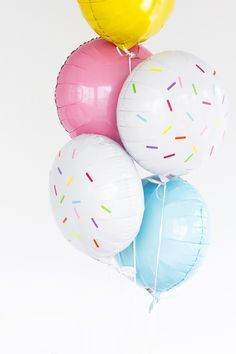 Quick and easy balloon decor for your donut themed birthday party.