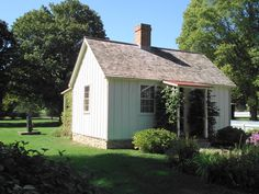 Herbert Hoover's birthplace. American Presidents, Us Presidents, American History, Herbert Hoover, Historical Sites, Family History, Birth, Brides, United States