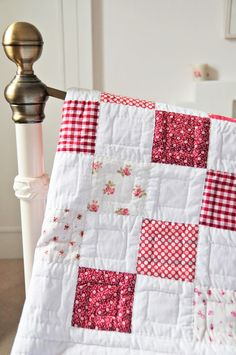 Diy Quilt, Easy Quilts, Old Quilts, Vintage Quilts, Antique Quilts, Shabby Vintage, Quilt Top, Shabby Chic, Colchas Quilting