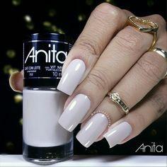 a60069b96cc42 8 melhores imagens de Anita coleção esmalte e batom