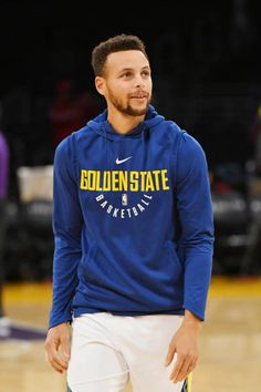 Stephen Curry of the Golden State Warriors looks on before the game against the Los Angeles Lakers on November 29 2017 at STAPLES Center in Los...