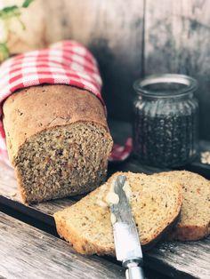 GULROT- OG CHIABRØD – Mat Til Familien Healthy Recipes, Healthy Foods, Baking, Health Foods, Healthy Groceries, Bakken, Healthy Eating Recipes, Healthy Eating, Healthy Food Recipes