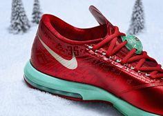 Nike unwraps Christmas colorways for LeBron 11, Kobe 8, KD VI #nike http://gamedayr.com/sports/nike-christmas-colorways-lebron-kobe-kd-91599/