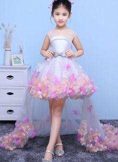 Little Girl Gowns, Cute Little Girl Dresses, Gowns For Girls, Dresses Kids Girl, Cute Dresses, Girls Pageant Dresses, Baby Party Dresses, Party Dresses For Girls, Pretty Dresses For Kids