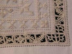 Hardander, Drawn Thread, Whitework Sampler - she has photos of the sampler plus a history of needlework at the bottom of the post - Fils et Aiguilles... une Passion Blog's Post: RETICELLO - PUNTO ANTICO - Giuliana Buonpadre (5/5) (site in both French and English)