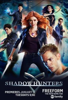 Shadowhunters (2016-2019) : https://www.cryptoseries.fr/series/item/1460-shadowhunters