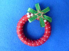 bożonarodzeniowy wianuszek do serwetek - moze być również powieszony w oknie lub na choince