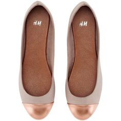 H&M Ballet Pumps ($21) ❤ liked on Polyvore featuring shoes, flats, h&m, ballerinas, women, ballerina shoes, metallic shoes, ballet shoes flats, ballerina pumps and flat pumps