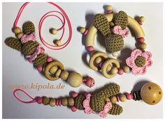 Freue mich, euch diesen Artikel aus meinem Shop bei #etsy vorzustellen: Schnullerkette, Greifling, Kinderwagenanhänger mit Häkelhase, Häkelperlen #hakelhase Crochet Necklace, Etsy, Jewelry, Baby Favors, Kids Wagon, Craft Gifts, Jewlery, Jewerly, Schmuck