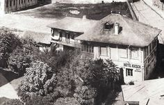 Anii 1860 , actuala Piata a Universitatii . My Town, Modern, Painting, Outdoor, Architecture, Beautiful, Vintage, Restaurant, Memories