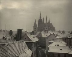 Josef Sudek: How a One-Armed Advertising Photographer Became the Legendary Poet of Prague Vintage Photography, Art Photography, Creative Photography, Josef Sudek, Prague Castle, Foto Art, Famous Photographers, Czech Republic, Black And White Photography