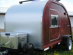 Build your own woody teardrop camper Teardrop Trailer Plans, Teardrop Campers, Vintage Trailers For Sale, Expedition Trailer, Tiny Camper, Sleeping Under The Stars, Bus Travel, Camper Trailers, Travel Trailers
