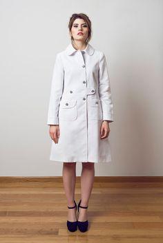 SAMPLE SALE SIZE M White summer coat 60s retro mod striped